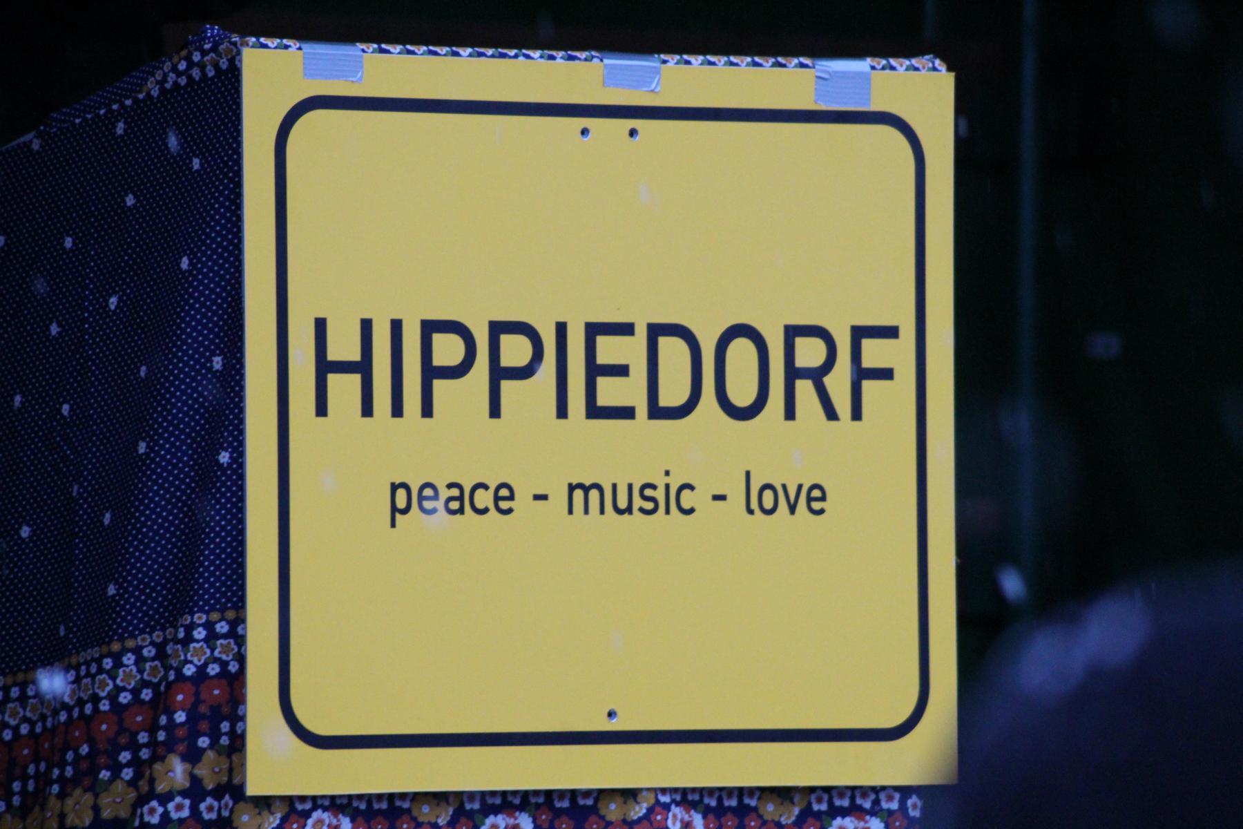 Hippieball