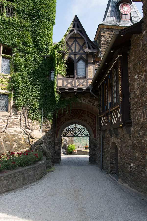Cochem Reichsburg Innenhof