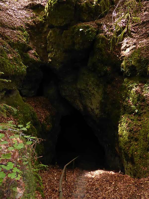 Arndthöhle Attenzell