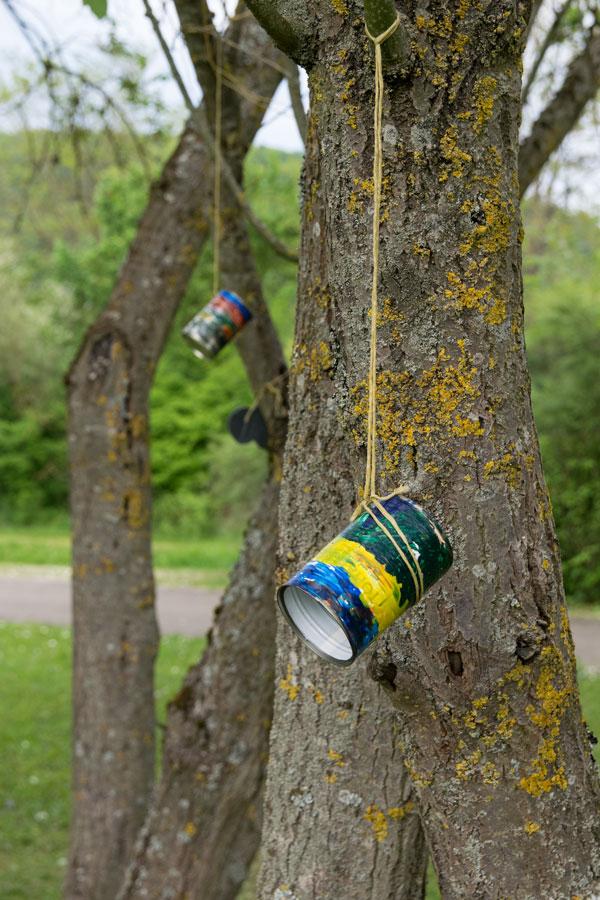 Bienenfutter Behälter aus alten Dosen